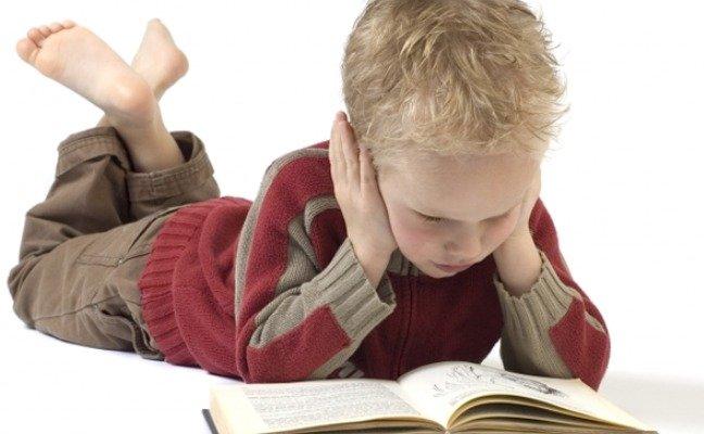 nino-leyendo2
